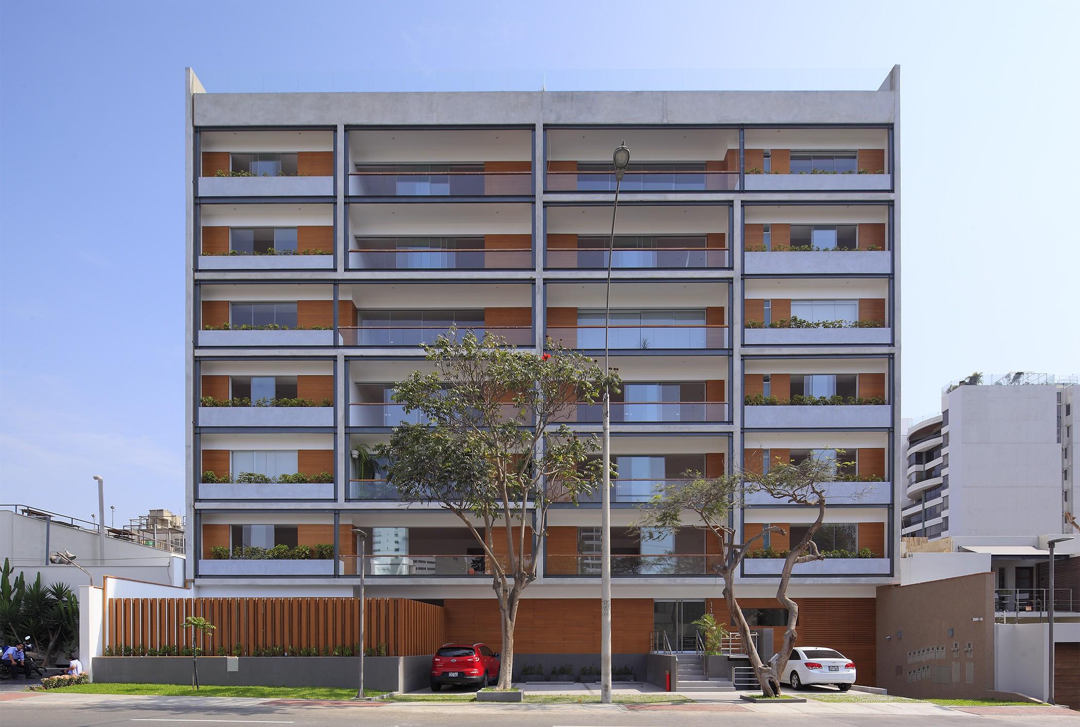 Edificio Multifamiliar Basadre, San Isidro, Lima, Perú